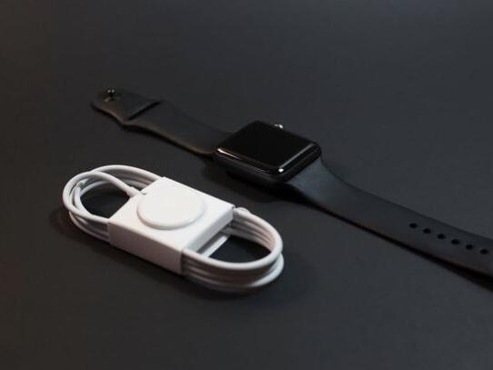 Come caricare Apple Watch