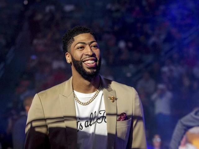 Nba: 'bomba' mercato, A.Davis ai Lakers