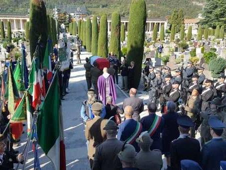 Trento, cento anni dopo i funerali dell?alpino della Grande Guerra trovato sulle Alpi