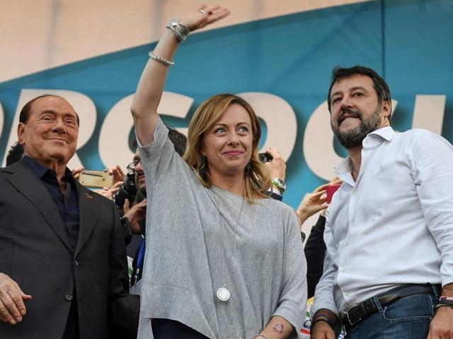 """Salvini: """"Ilcentrodestra ha il dovere di essere unito, sbaglia chi critica"""""""