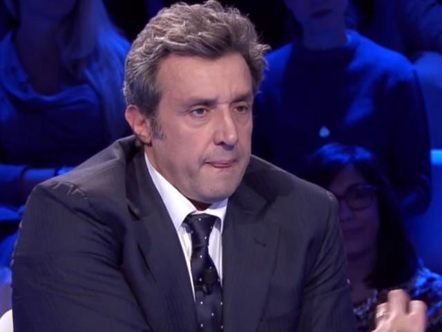 """Flavio Insinna svela: """"Grazie a Fabrizio Frizzi sono un conduttore"""""""