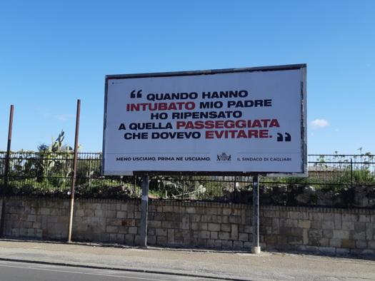 Coronavirus, cartelli choc a Cagliari per tenere la gente in casa