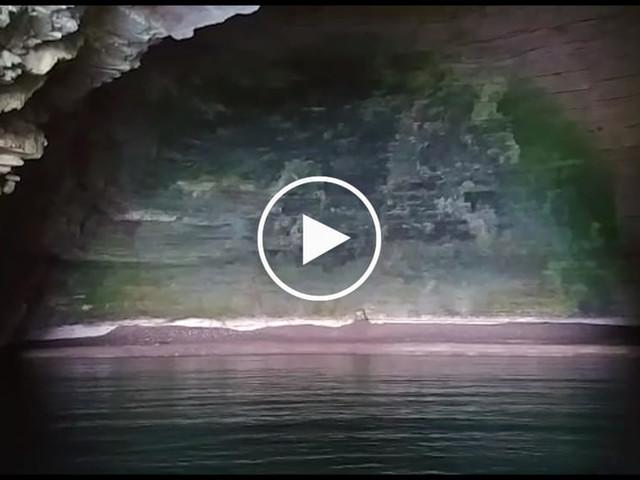 VIDEO | Tour delle grotte marine: la meraviglia dei turisti che scoprono Grotta Campana