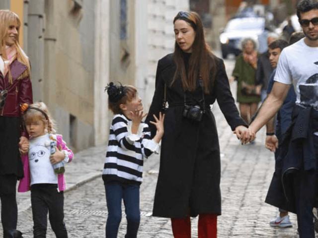 Michelle Hunziker in giro con le tre figlie e il genero e la giornata è perfetta (Foto)