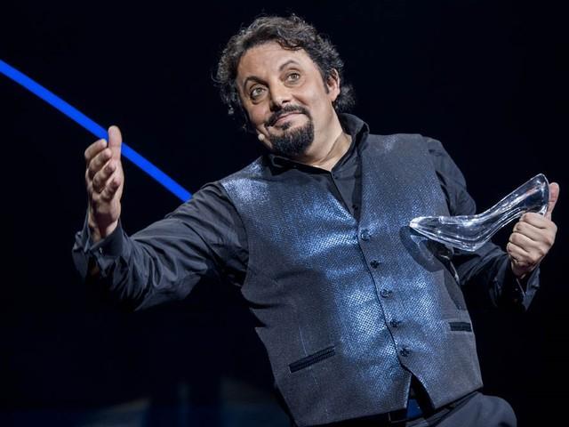 Enrico Brignano in Abruzzo: due date a Pescara e una all'Aquila per il suo nuovo spettacolo comico