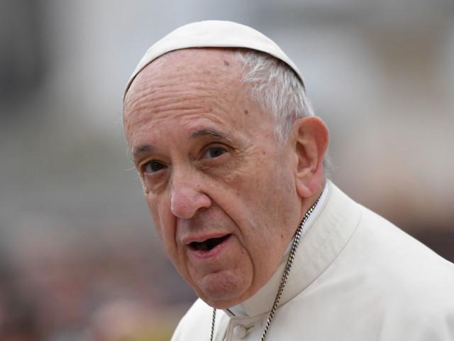 """Papa Francesco sul fine-vita: """"É lecito sospendere cure se non sono proporzionali"""""""