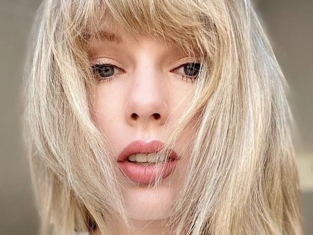Taylor Swift pubblica il suo singolo natalizio Christmas Tree Farm (VIDEO)