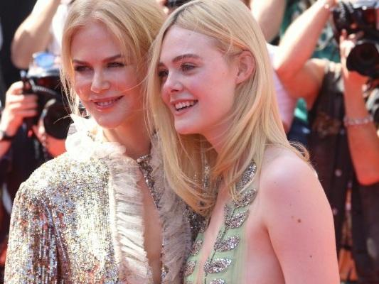 """Cannes 2017: Nicole Kidman ed Elle Fanning, un red carpet """"alieno"""""""