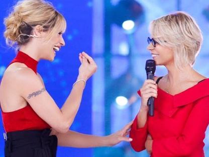 """Maria De Filippi giudice ad Amici Celebrities, Michelle Hunziker """"Siamo una squadra"""""""