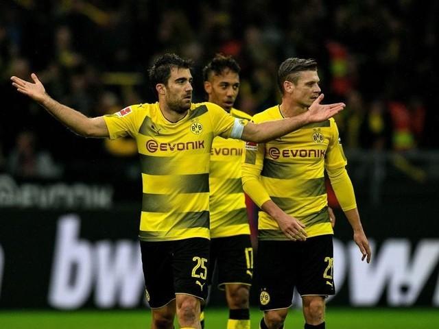 Bundesliga, l'errore del VAR costa caro: il Colonia vuole rigiocare contro il Dortmund