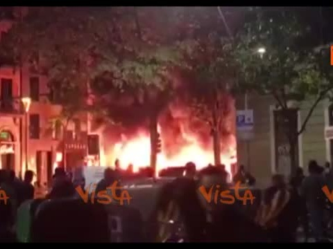 Barcellona in fiamme