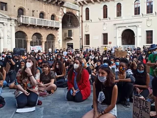 George Floyd, anche Verona è scesa in piazza contro il razzismo