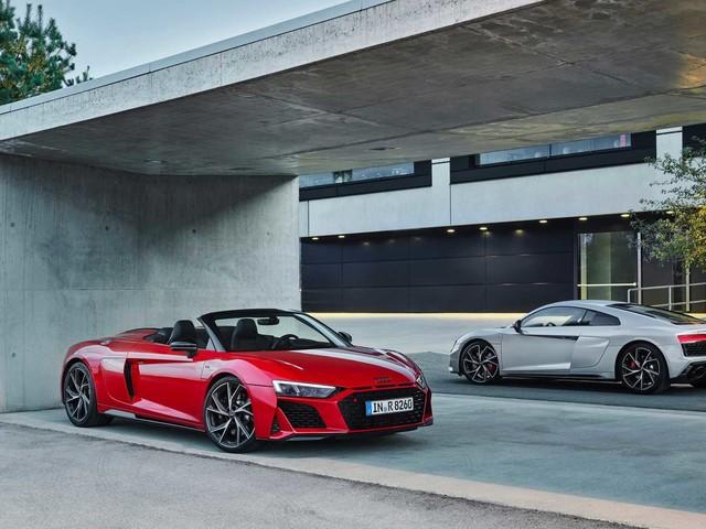 Audi R8 V10: arriva la trazione posteriore