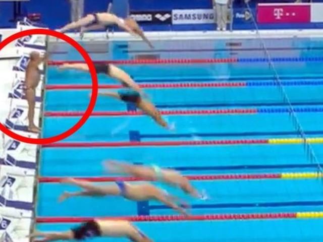 Comitato nega il minuto di silenzio per l'attentato di Barcellona, il nuotatore non si tuffa e lo osserva da solo