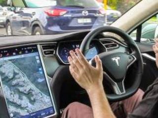 Elon Musk: in quattro anni auto connesse al cervello