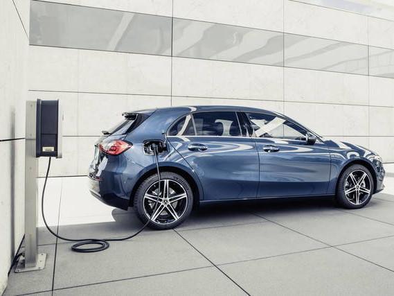 Mercedes A e B: arrivano le versioni ibride
