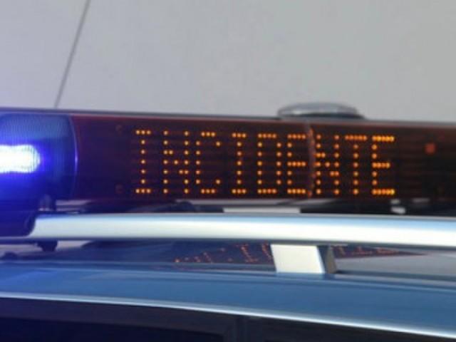 Schianto frontale tra auto e camion sulla provinciale: corsa in ospedale per un 45enne