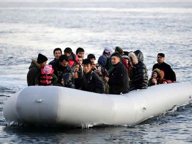 Nuovi sbarchi di migranti a Lampedusa e adesso il sindaco si rivolge al governo