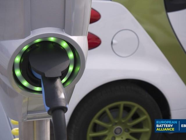 Batterie per le auto elettriche: l'Unione europea sarà autosufficiente entro il 2025. Italia in prima linea