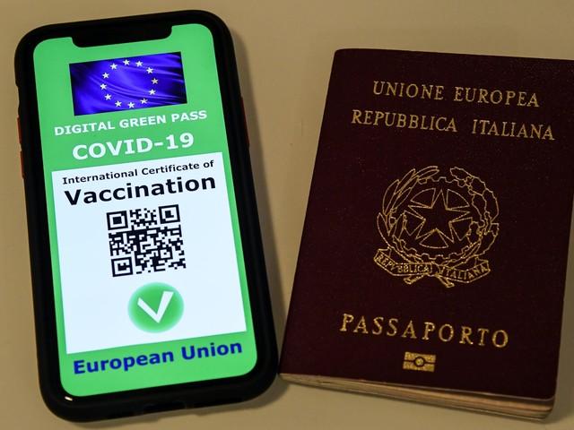 Green Pass europeo, ecco quando arriva il codice e tutti i modi per scaricarlo