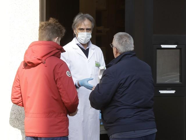"""Coronavirus, l'allarme dei medici nella zona rossa: """"Noi in isolamento, i pazienti sono soli"""""""