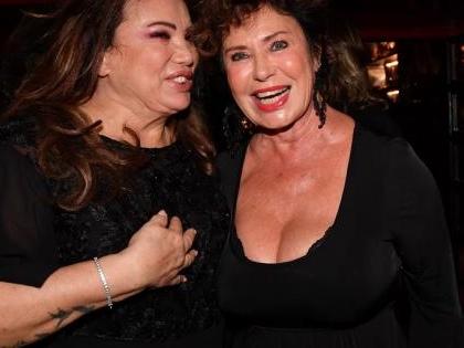 Serena Grandi e Corinne Clery amiche ritrovate. Con la benedizione di Peppino Di Capri