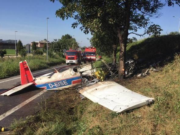 Dramma aereo: ultraleggero si schianta al suolo, morta una 15enne