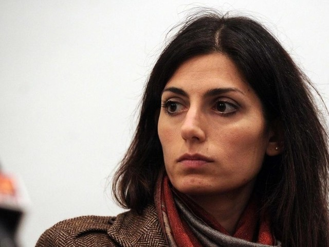 """L'ex presidente dell'Ama alla Raggi: """"Rischiamo la bancarotta preferenziale"""""""