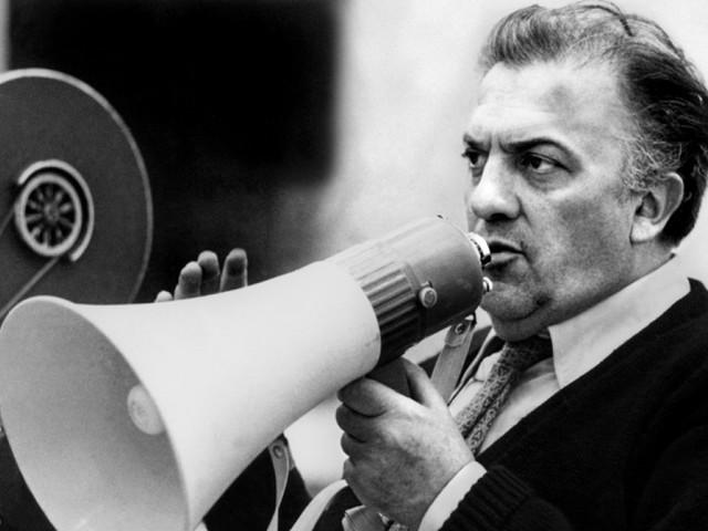 """Geniale, """"finto"""", nostalgico. Fellini, l'italiano perfetto"""