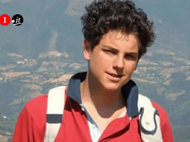 """Chi era Carlo Acutis, morto a 15 anni per una leucemia fulminante e ora proclamato """"Beato"""""""