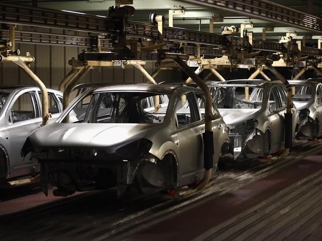 Nissan costretta a sospendere la produzione nel Regno Unito