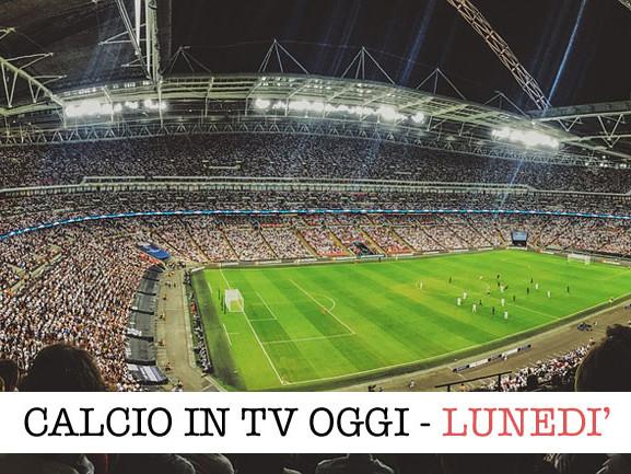 Calcio in tv: i posticipi Roma – Bologna e Crotone – Pescara