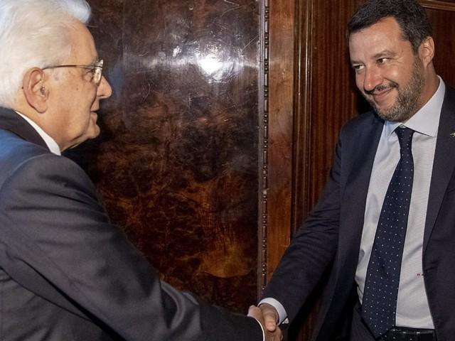 Pensioni: Salvini a difesa di quota 100, ma i numeri dell'Inps confermano calo istanze