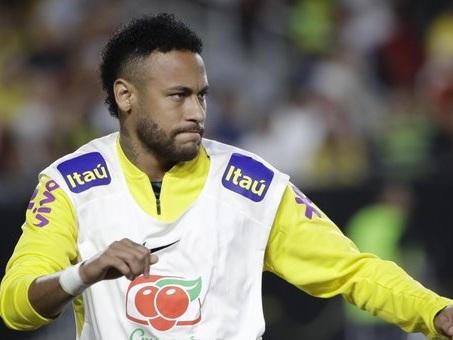 """Neymar, estorsione e calunnia per la sua """"accusatrice"""" Najila Trinidade"""