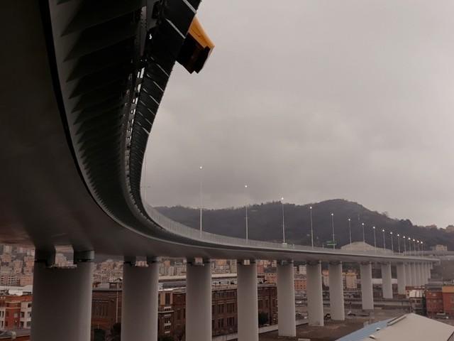 Viaggio nel cervello e nella pancia del nuovo ponte di Genova