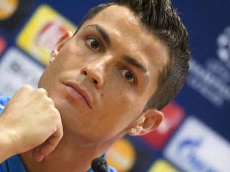 Disavventura in allenamento, Ronaldo segna e si fa male alla spalla
