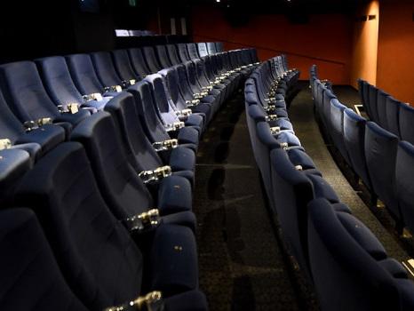 """Cinema: abolita la censura e introdotto il """"vietato ai minori di 6 anni"""""""