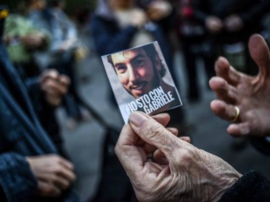 Del Grande: «Da 9 giorni isolamento, detenzione del tutto illegale»