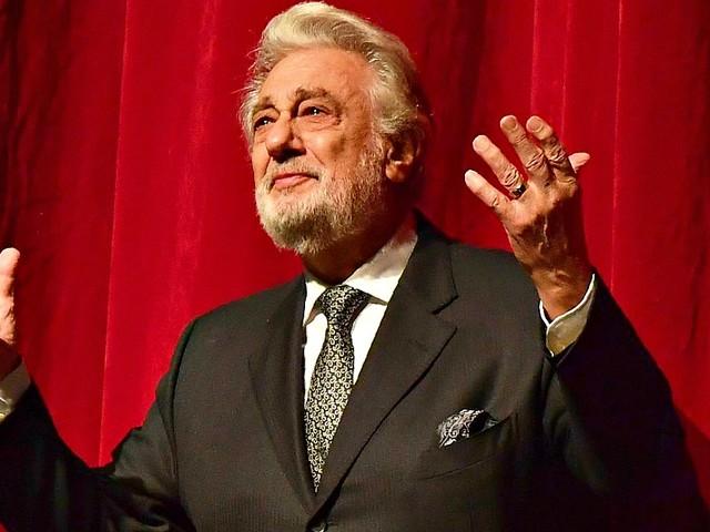 Placido Domingo, dopo le accuse di molestie principali teatri del mondo cancellano i concerti del tenore