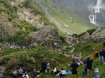 Il triplice salto delle Cascate del Serio Un incanto per 3.000 escursionisti - Video