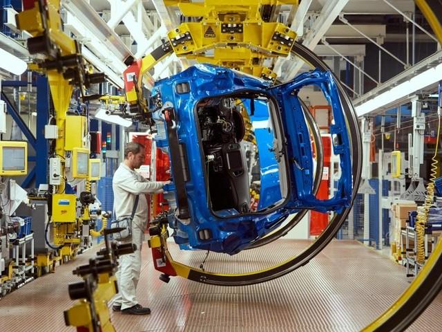 """Fca, a Melfi da metà 2020 arrivano le Jeep """"green"""". A Mirafiori nasce la prima 500 elettrica"""