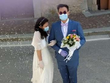 La lenta ripartenza dei matrimoni: vietato lanciare il bouquet