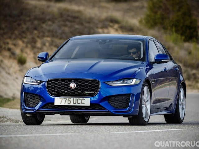Jaguar XE - Al volante del restyling