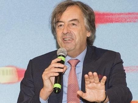 Roberto Burioni, microbiologo, nel suo nuovo libro: «Eliminare l'omeopatia dalle università»