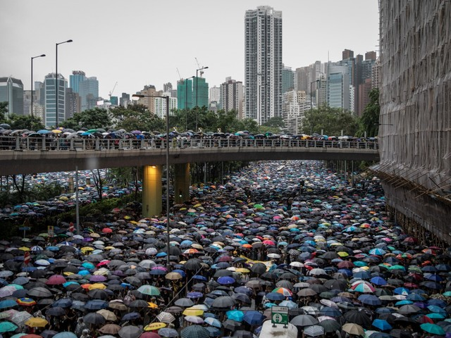 Hong Kong, oltre un milione in piazza