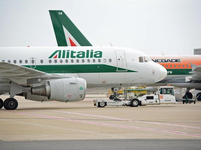 Alitalia, fonti Mise: perplessità commissari su mancata offerta
