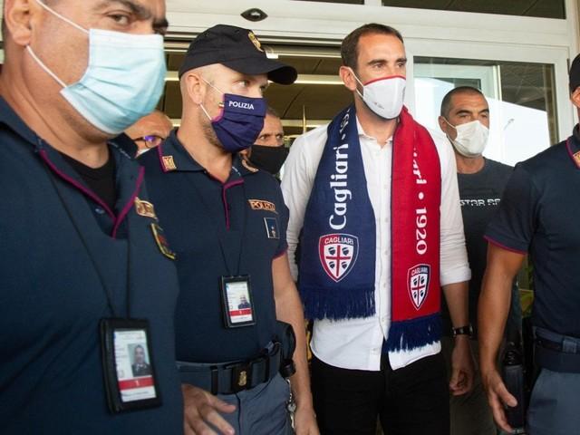 Godin al Cagliari, Candreva alla Sampdoria: l'Inter inizia a sfoltire