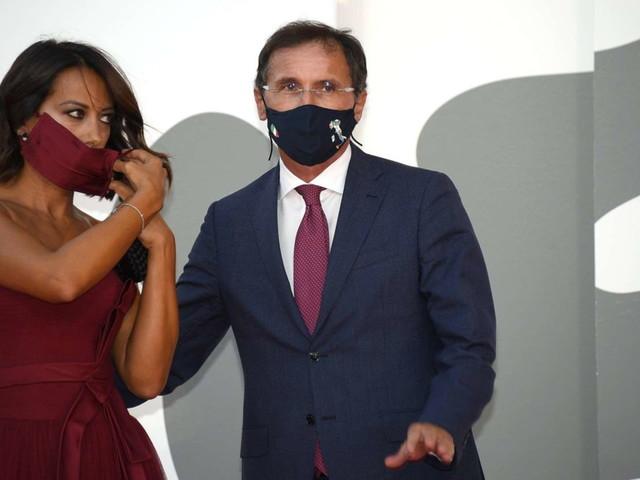 Il ministro Boccia positivo al coronavirus | Contagio partito dalla moglie Nunzia De Girolamo?