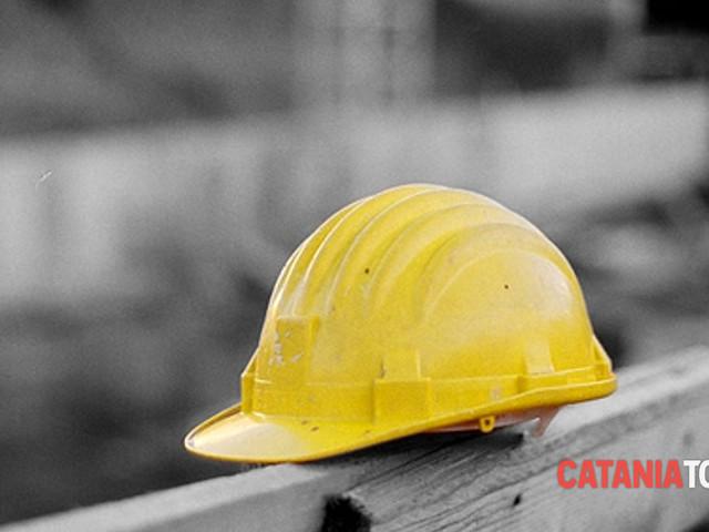 Randazzo, cade dal terrazzo mentre lavora: morto uomo di 46 anni