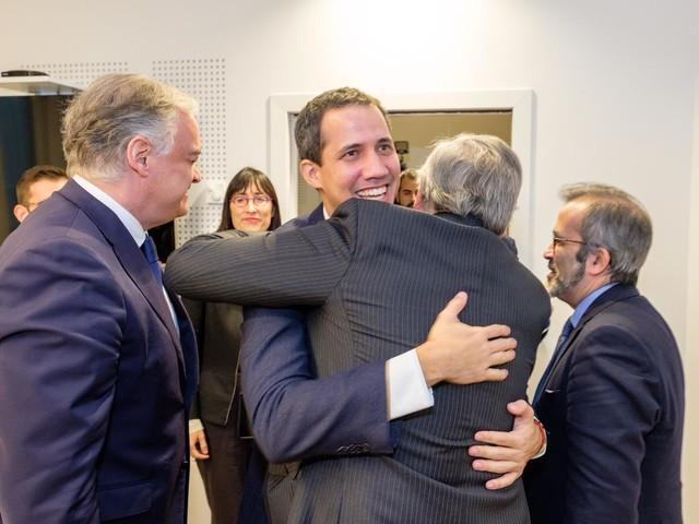 Tajani e Guaidó a Bruxelles